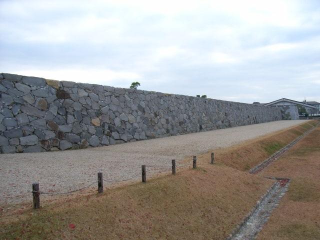 佐賀城復元石垣
