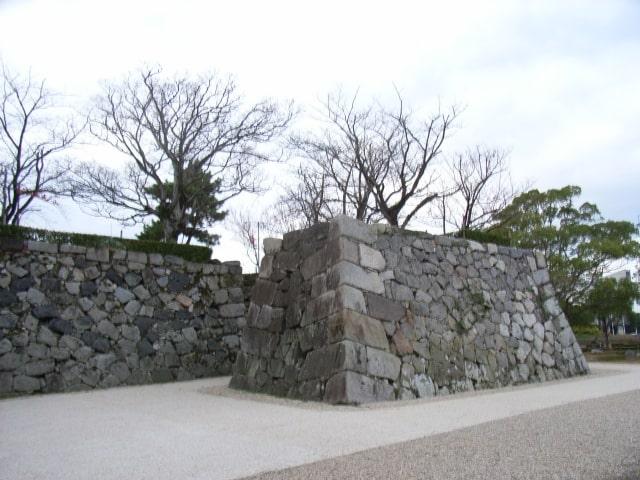 佐賀城天守台入口